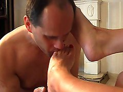 Foot & pussy licking